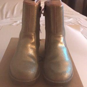 GREAT BUY!! Ugg boots